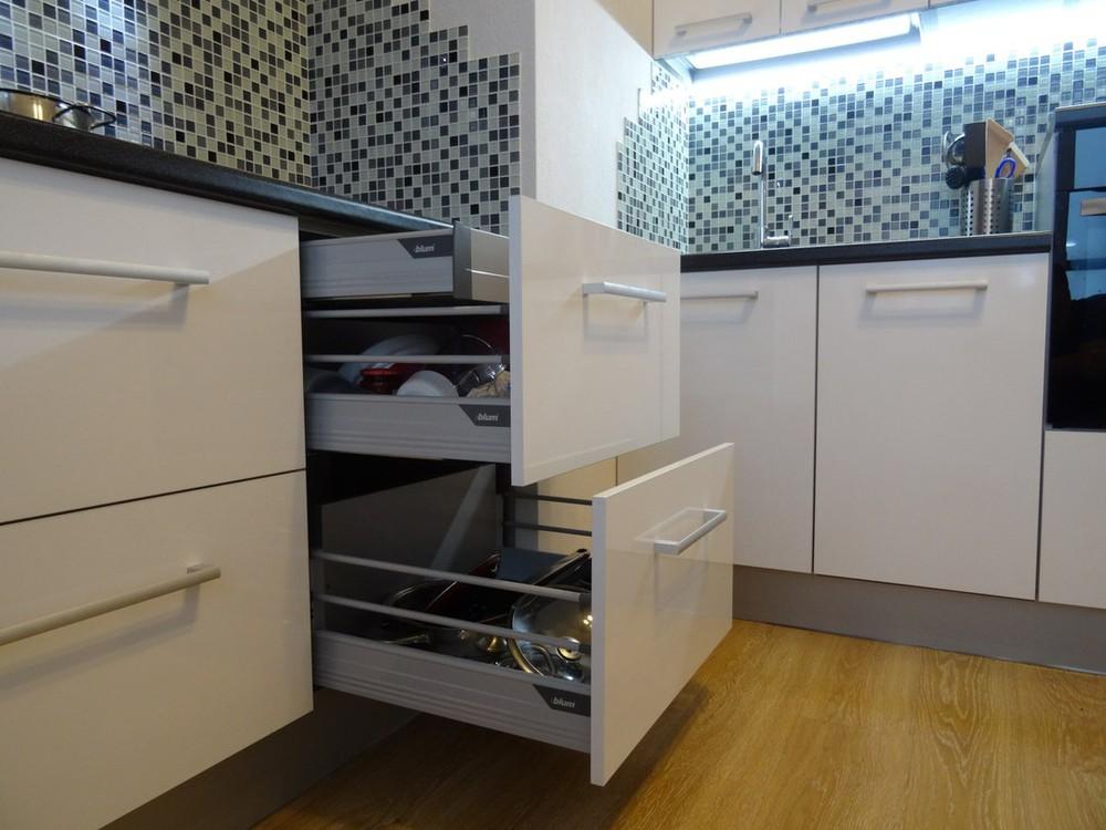 Акриловые кухни-Кухня из пластика «Модель 131»-фото2