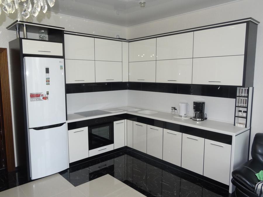 Белый кухонный гарнитур-Кухня МДФ в эмали «Модель 68»-фото2