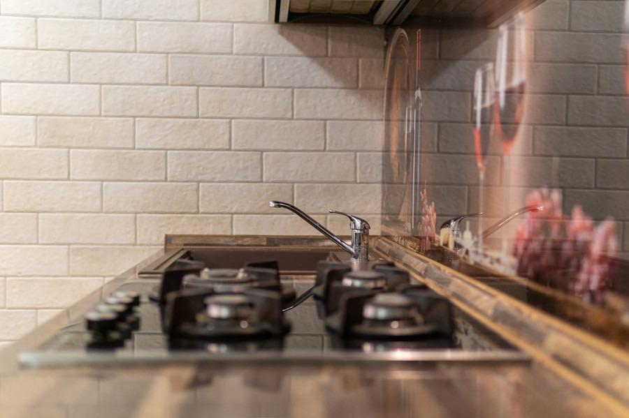 Белый кухонный гарнитур-Кухня из пластика «Модель 2»-фото8