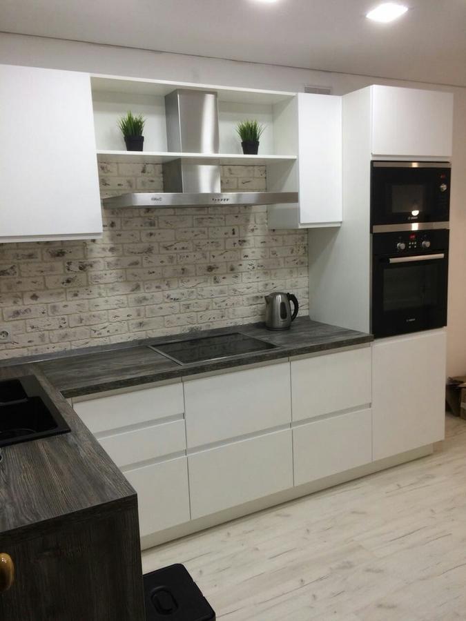 Белый кухонный гарнитур-Кухня МДФ в эмали «Модель 462»-фото2