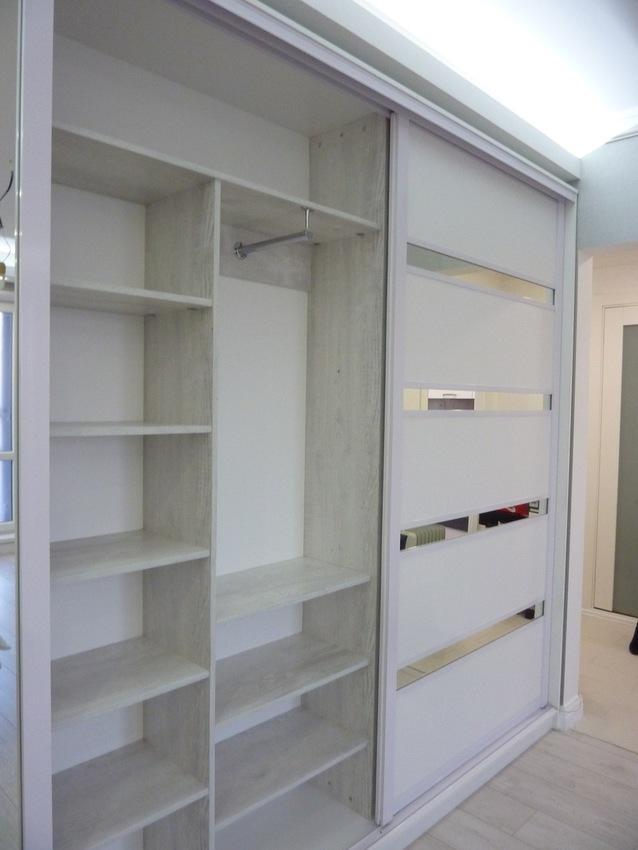 Белые шкафы-купе-Шкаф-купе с зеркалом «Модель 260»-фото3