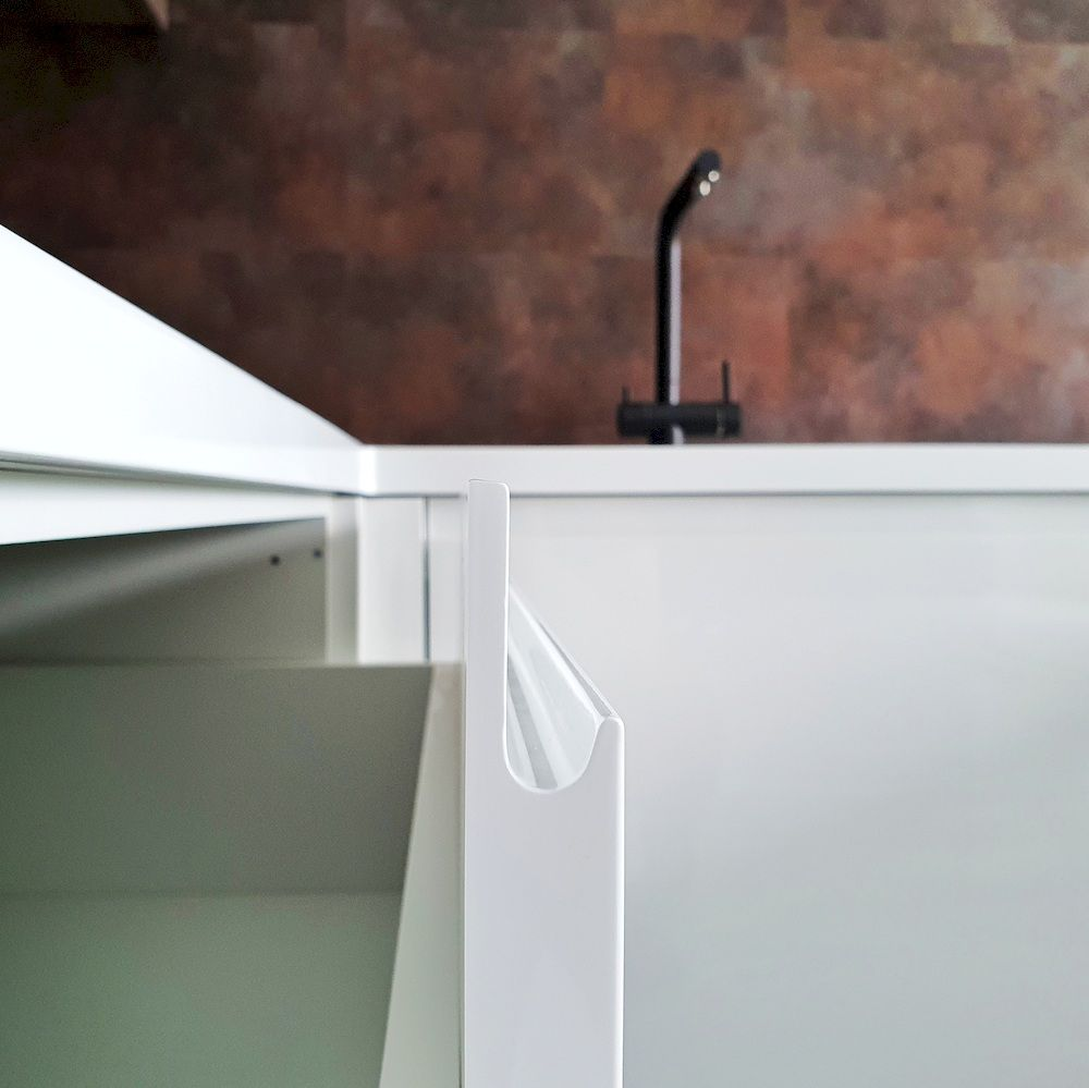 Белый кухонный гарнитур-Кухня МДФ в эмали «Модель 533»-фото9